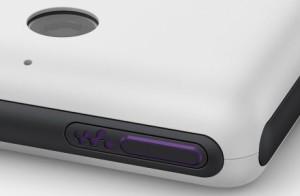 Dettaglio del tasto Walkman su Xperia E1
