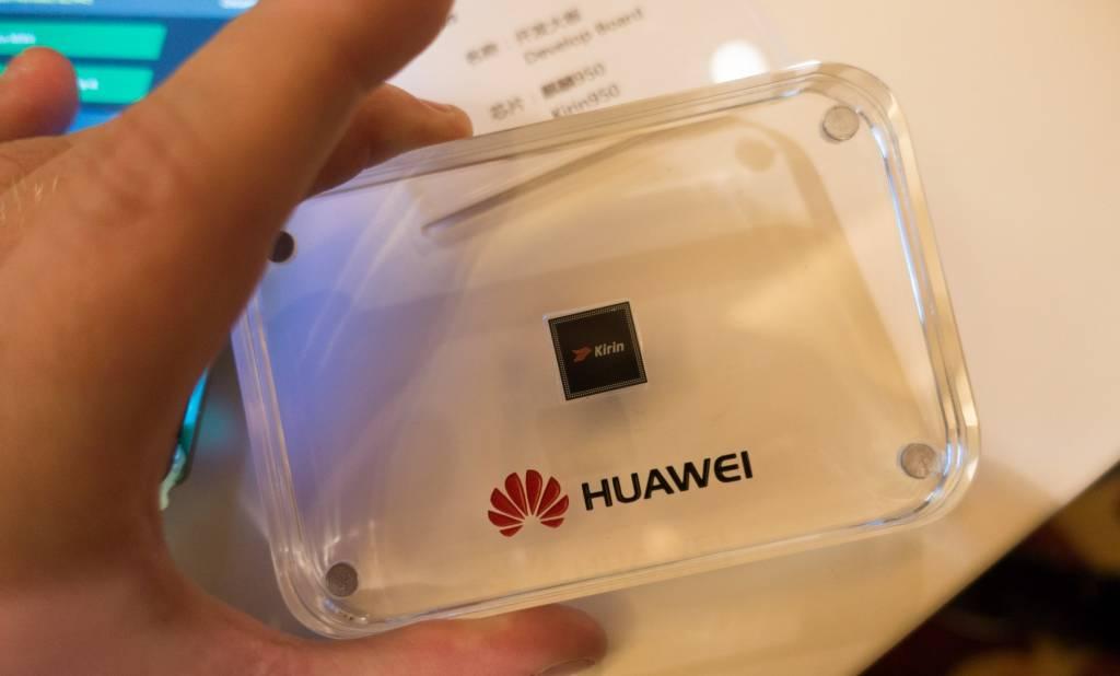 """Huawei annuncia il nuovo SoC Kirin 950 che """"strapazza"""" tutti nei benchmark"""